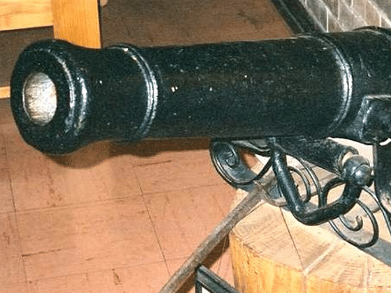 Bezuidenhout-Cannon1
