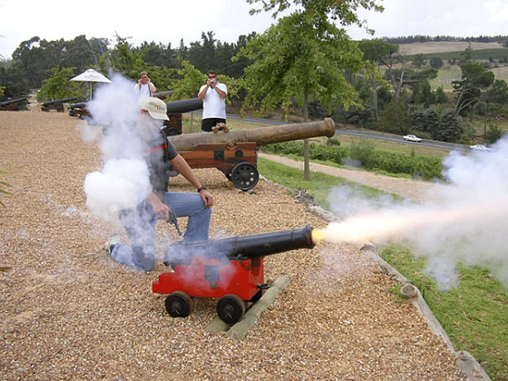 Firing-of-muzzle-loading-cannons-7