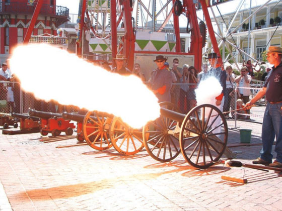 Firing-of-muzzle-loading-cannons-8